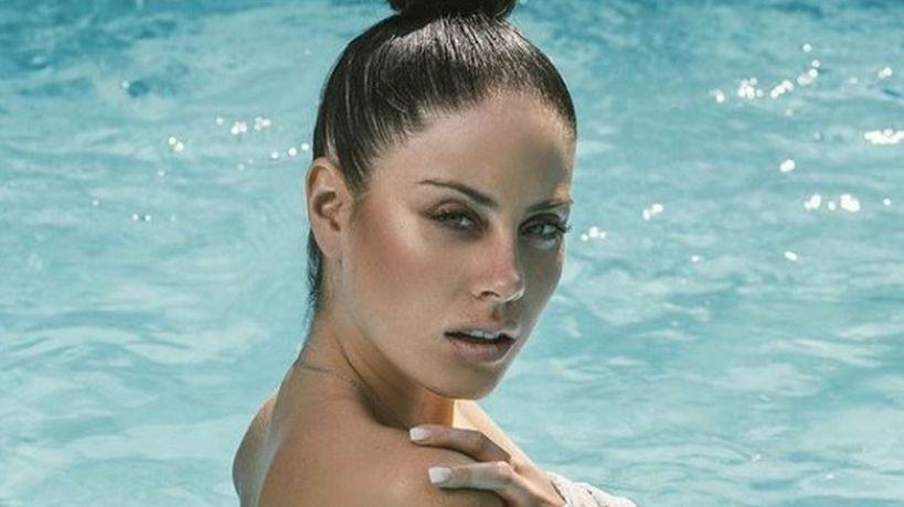 Ignacia Michelson creo conmoción en las redes sociales al publicar una foto en bikini