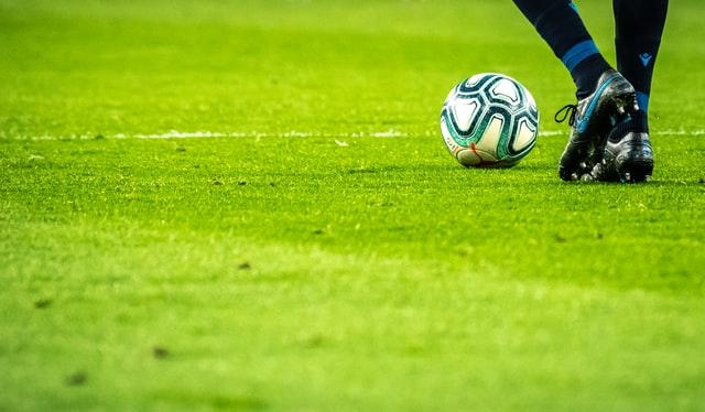 Árbitros amenazan con paralizar el fútbol chileno: pedirán suspender señal del CDF